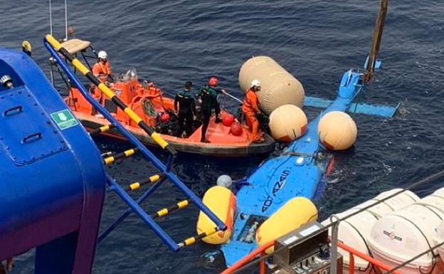 El vehículo ha vuelto a la vida gracias a Salvamento Marítimo esta tarde.  / Rescate en el mar