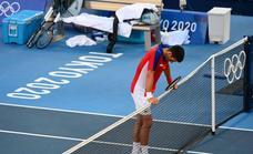 Djokovic dice que jugó medicado y renuncia a luchar por el bronce en el dobles mixto