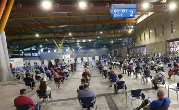 Acunódromo activado en el Palacio de Ferias de Málaga.  / Salvador Salas