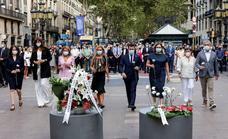 Un minuto de silencio para recordar el horror en el corazón de Barcelona
