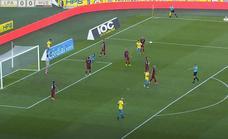 Vídeo: Las Palmas salvan el partido en el último momento ante el Huesca