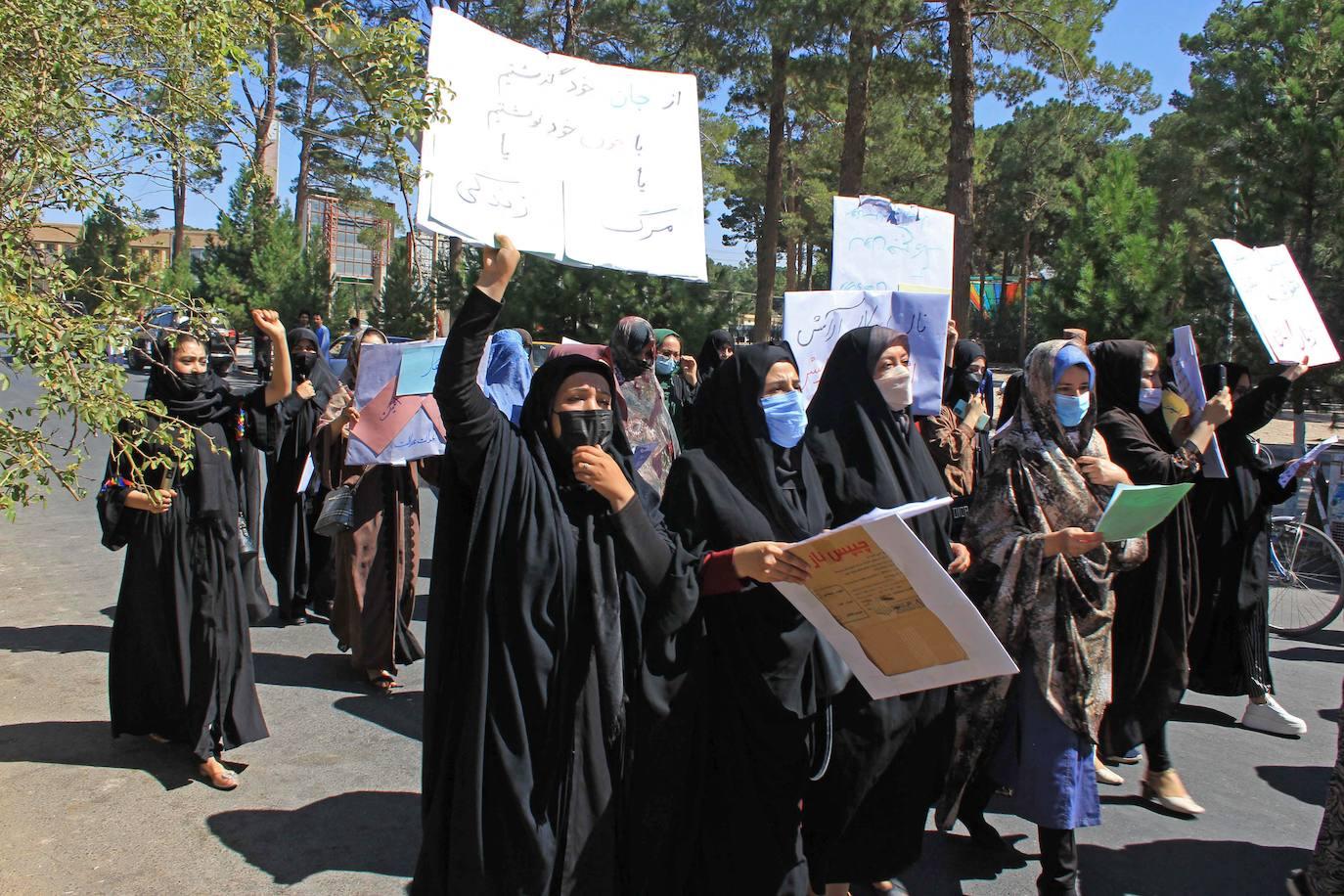Las afganas marchan por sus derechos
