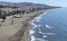 Muere un bañista de 75 años en una playa de Rincón de la Victoria