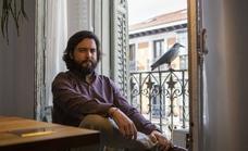 Juan Jacinto Muñoz-Rengel, escritor: «Nunca he sido un bicho raro, pero siempre me he relacionado con ellos»