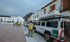 70 bomberos continúan este jueves con tareas de remate y liquidación del incendio de Sierra Bermeja