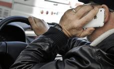 Se buscan infractores al volante con el móvil: multas de 200 euros