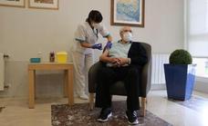 Salud comienza hoy la campaña de la tercera dosis en residencias de mayores