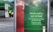 Los conductores británicos agotan los surtidores de gasolineras