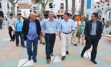 Nerja nombra turistas de honor al ministro de Agricultura, Luis Planas, y al ex de Justicia, Alberto Ruiz-Gallardón
