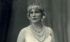 La reina Victoria Eugenia y la Agrupación de Cofradías