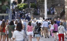 Málaga, a rebosar en el primer puente sin aforos