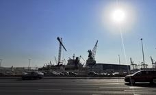 ¿A qué se debe el color blanquecino del cielo hoy en Málaga?