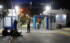Herido un guardia civil al impedir un salto a la valla de Melilla