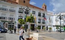 Las contrataciones municipales abren un nuevo frente de batalla entre el gobierno del PP y la oposición del PSOE en Torrox
