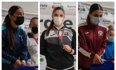 Tres medallistas malagueñas en la Liga Nacional de kárate