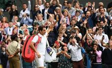 Federer, cada vez más lejos