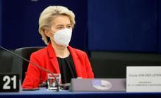 Von der Leyen amenaza a Polonia con retener 210.000 millones de fondos europeos