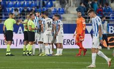 Indignación en el Málaga por el gol anulado en Huesca: «Esto no hay quien lo entienda»