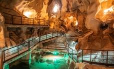 La Cueva del Tesoro duplica las visitas en el Puente del Pilar con 1.105 personas