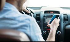 Por qué no debes contestar una llamada mientras conduces, explicado por Tricicle