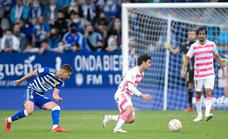 El Oviedo asalta El Toralín con otro gol de Borja Bastón
