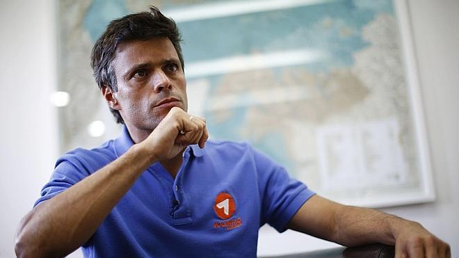 El líder opositor venezolano Leopoldo López queda preso e irá a juicio