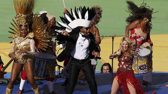 Shakira y Carlinhos Brown. /