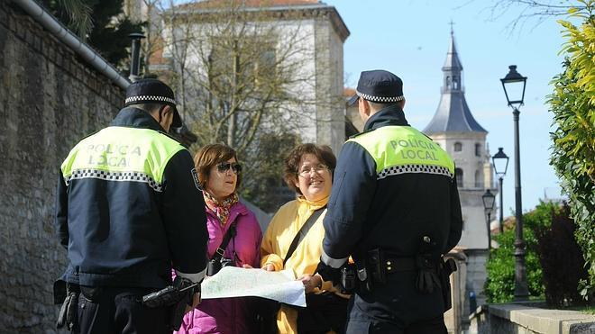 La Policía Nacional realiza 13.000 servicios humanitarios en el primer semestre del año