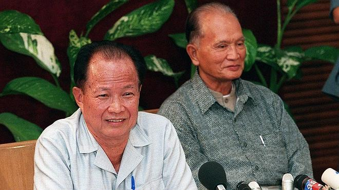 Condenados a cadena perpetua dos líderes de los Jemeres Rojos