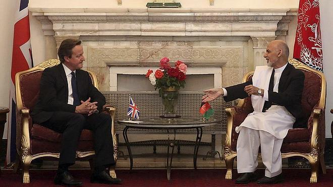 Cameron ofrece su apoyo a Ghani para que Afganistán sea «más seguro y próspero»