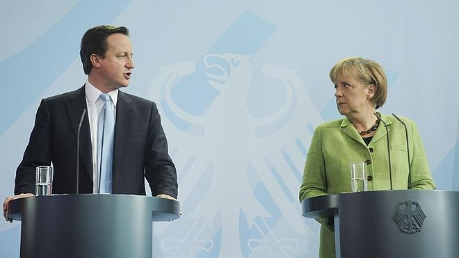 Merkel avisa de que la política británica sobre los inmigrantes de la UE es «un punto de no retorno»