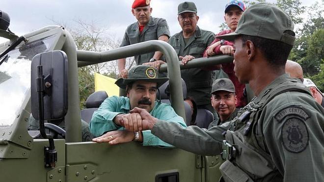 Maduro vuelve a subir el salario mínimo para poner freno a la inflación
