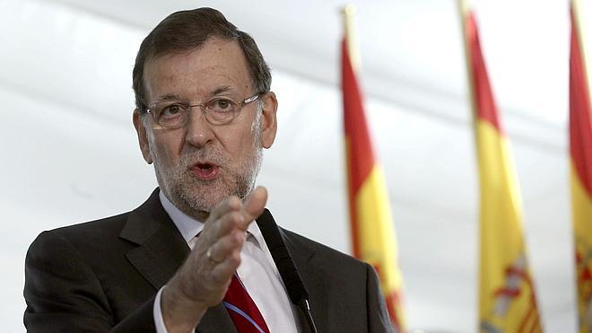 Rajoy pide que «no se frivolice» con la reforma de la Constitución