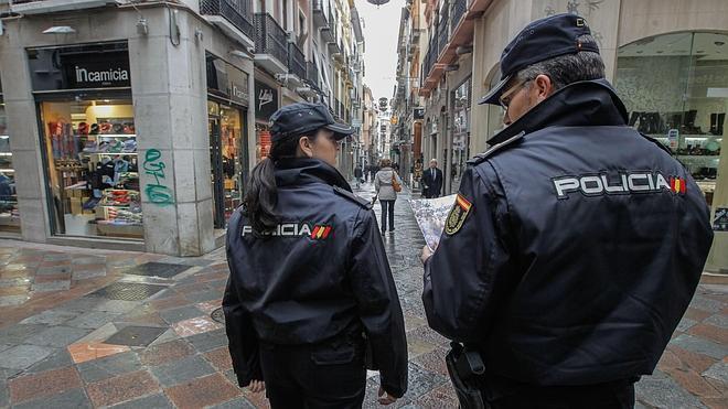 Todos los policías que patrullen tendrán chaleco antibalas antes de junio de 2015