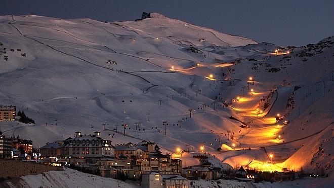 El esquí nocturno vuelve a Sierra Nevada