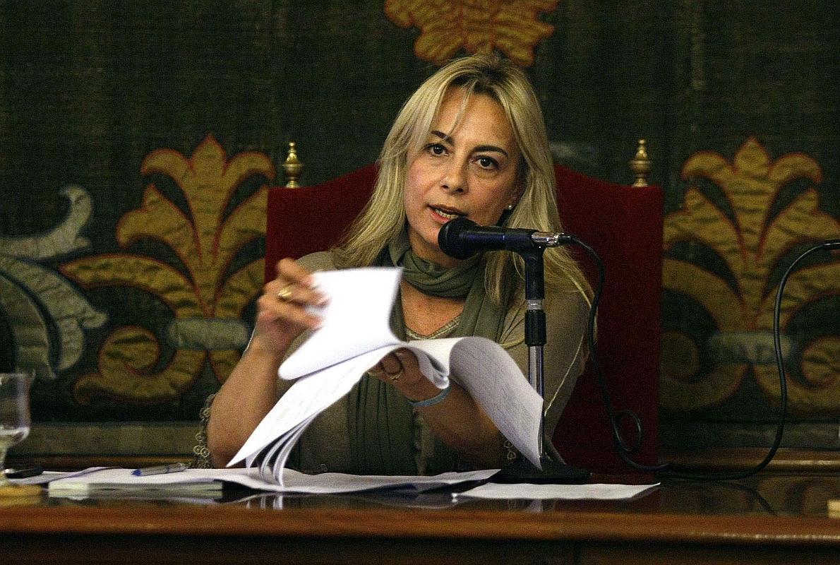 La alcaldesa de Alicante anuncia su dimisión a través de Facebook