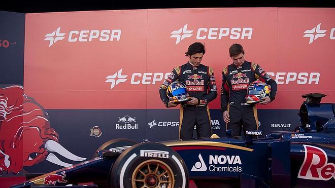 Carlos Sainz presenta a su nuevo mejor amigo