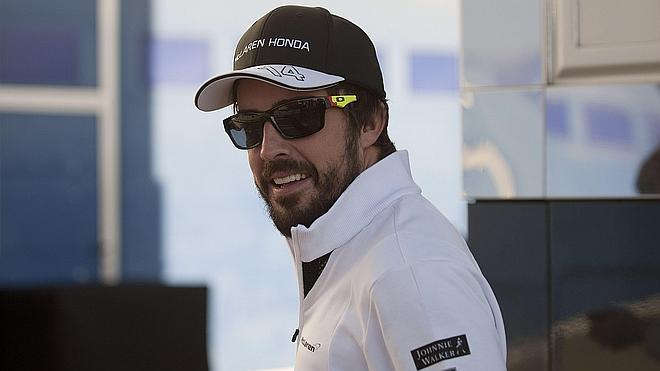 Alonso, visto y no visto en su segundo debut con McLaren