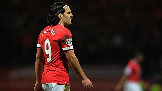 Falcao juega con el equipo reserva del United