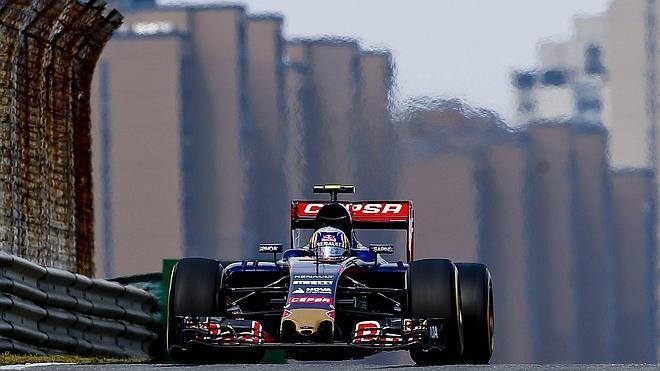 Sainz: «La bandera roja ha arruinado nuestro intento con neumáticos blandos»