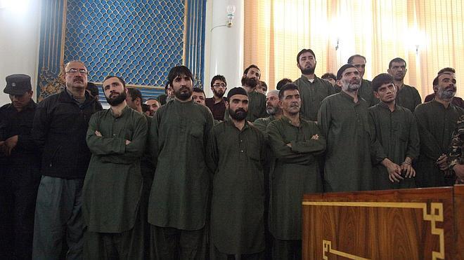 Un año de cárcel para once policías por no impedir el linchamiento de una mujer en Afganistán
