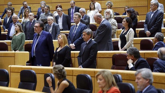 La oposición se pone en pie en el Senado contra el «atropello» de Rajoy a la Cámara Alta