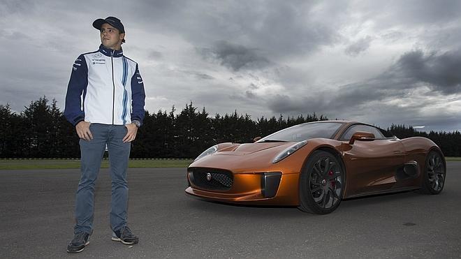 Massa conduce el coche de James Bond