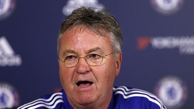 Hiddink dice que no seguirá en el Chelsea la próxima temporada