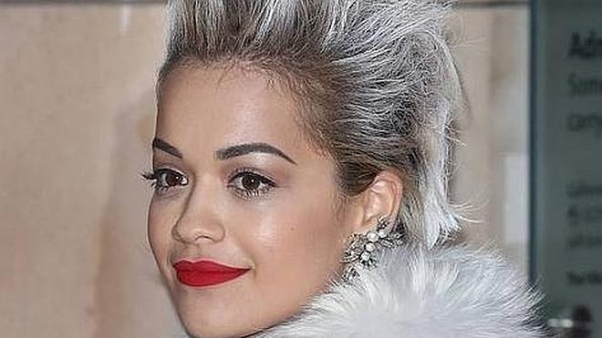 El pelo gris está de moda