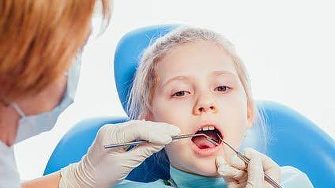 ¿Es recomendable poner coronas en los dientes de los niños?