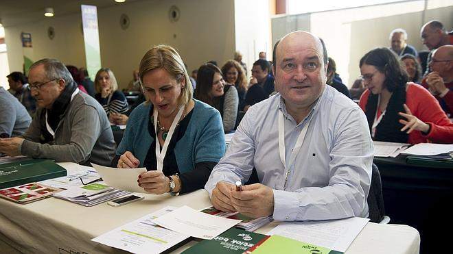 El PNV aprueba un documento político para «dar un nuevo paso en el autogobierno de Euskadi»