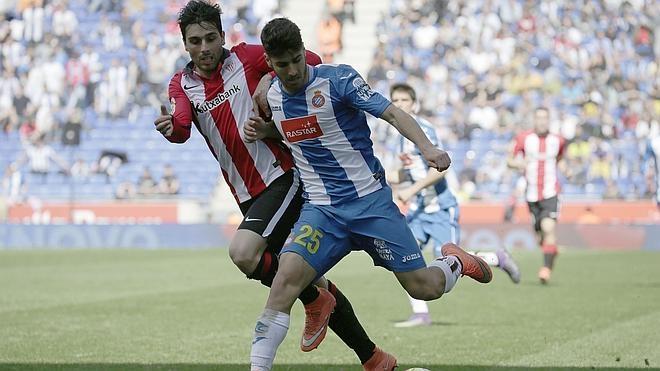 El Espanyol remonta y frena el ansia del Athletic