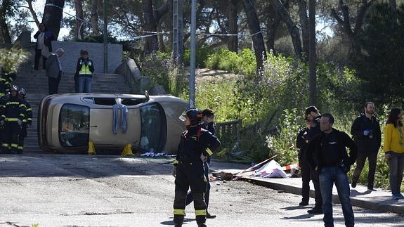 386ba7dd0 Muere una mujer en Madrid al precipitarse el coche en el que viajaba ...