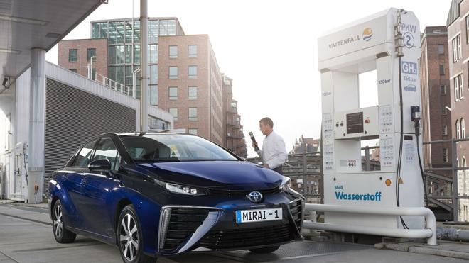 El coche con pila de hidrógeno de Toyota llega a España